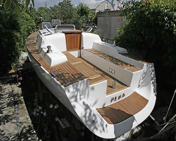 яхта в постройуе