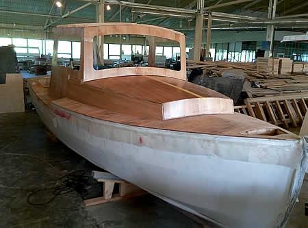 рубка катера палуба